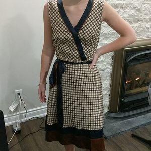 Bcbgmaxazria satin feel dress